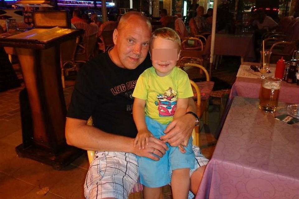 Русская мать помогла сыну лишить дочь невинности