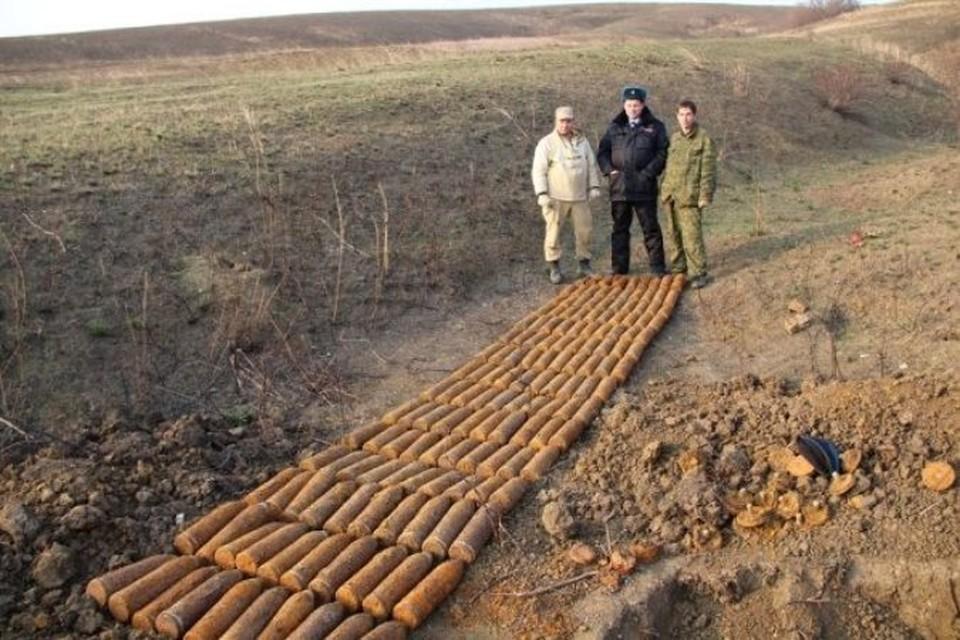 Целый арсенал откопали поисковики в Темрюкском районе. ФОТО: Пресс-служба администрации района