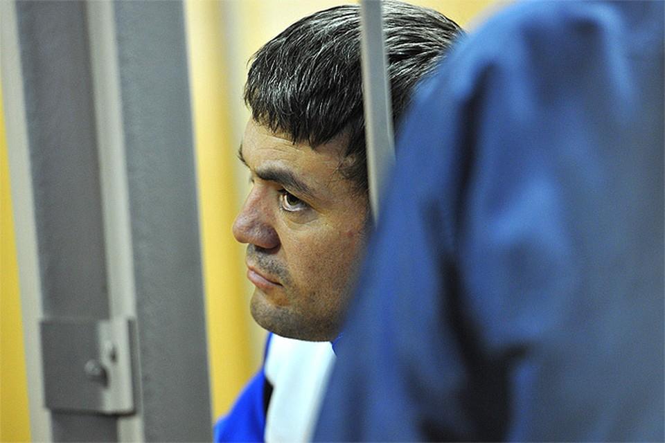 Расулов был осужден на 18 лет за нанесение тяжких телесных повреждений сотруднику полиции.