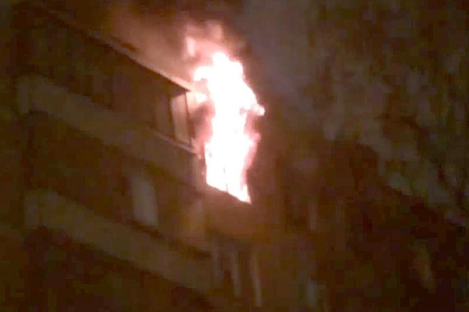 В страшном пожаре в Химках погибла 21-летняя девушка.
