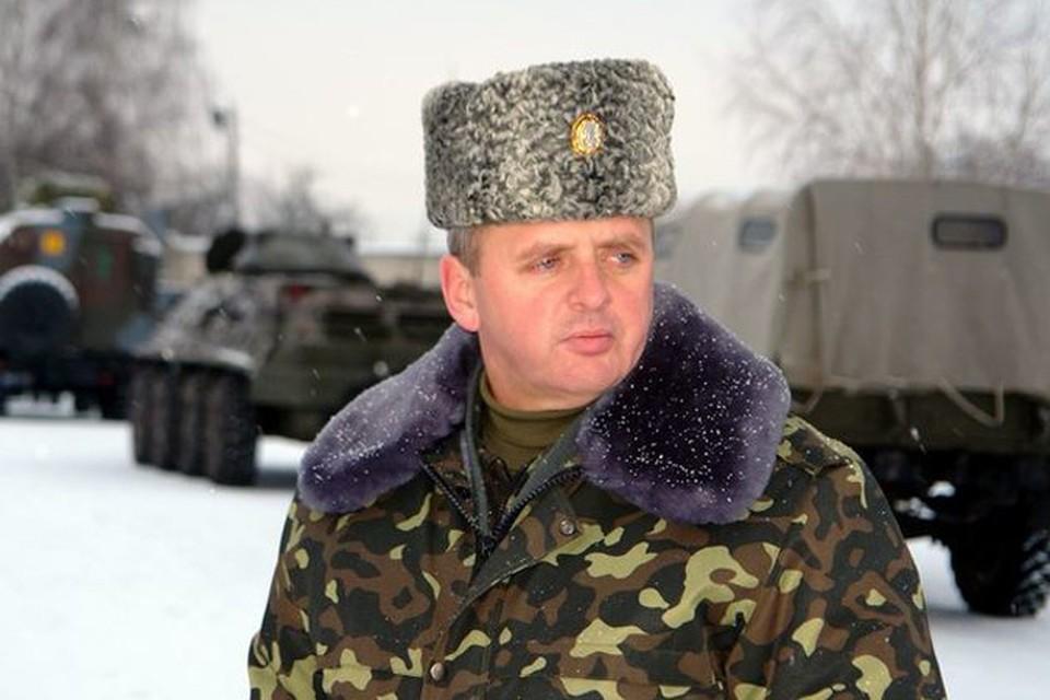 Начальник генштаба Вооруженных сил Украины Виктор Муженко заявил, что в Донбассе отсутствуют регулярные части российской армии