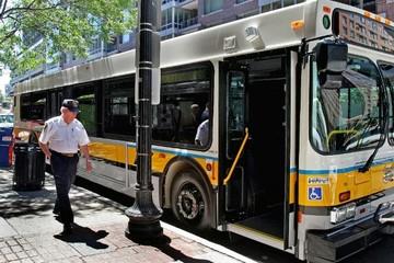 Городской транспорт: сравнение цен в Молдове и Америке
