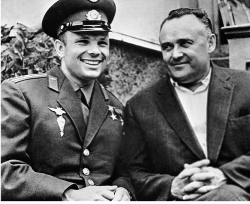 Юрий Гагарин и Сергей Королев.