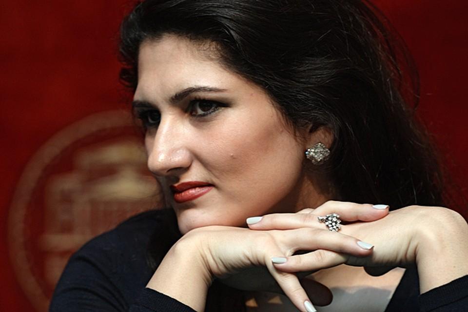 «Комсомолка» дозвонилась до известнейшей оперной певицы, солистки Большого театра Динары Алиевой