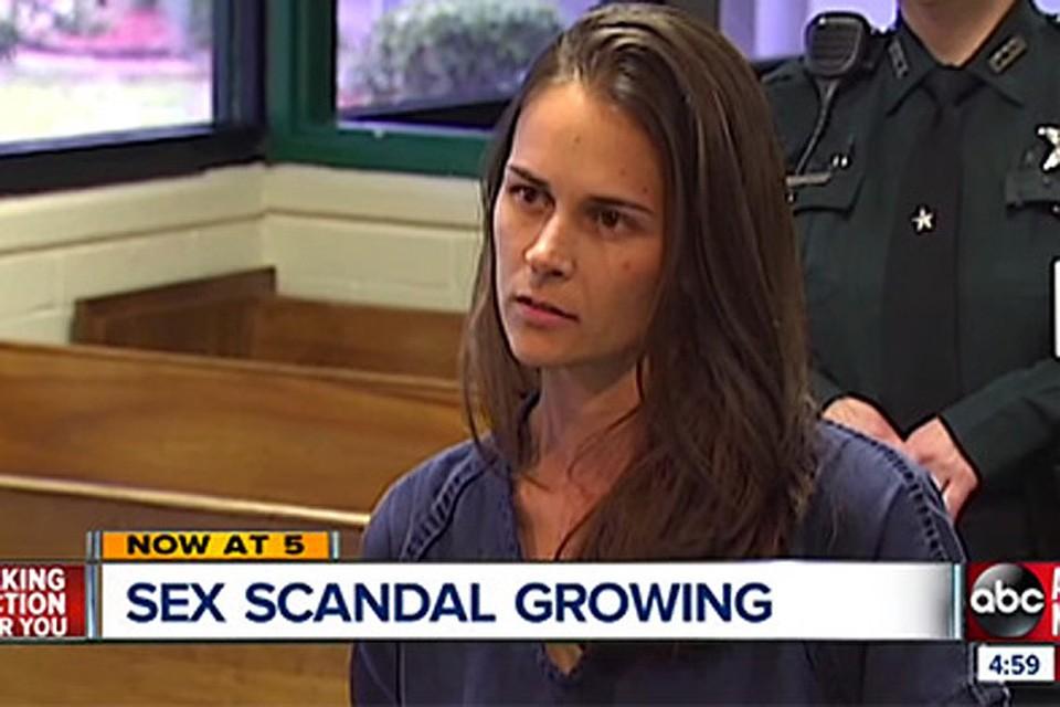 Секс разврат молоденьких девочек видео