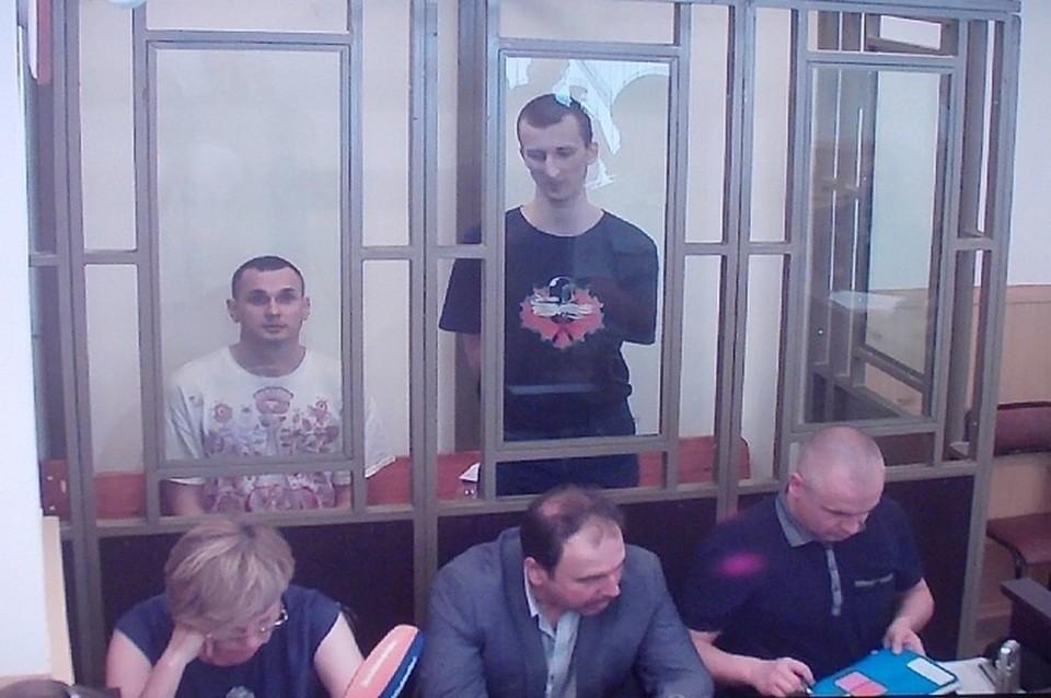 Во вторник, 25 августа, в Северо-Кавказском окружном суде огласили приговор режиссеру Олегу Сенцову и активисту Александру Кольченко.
