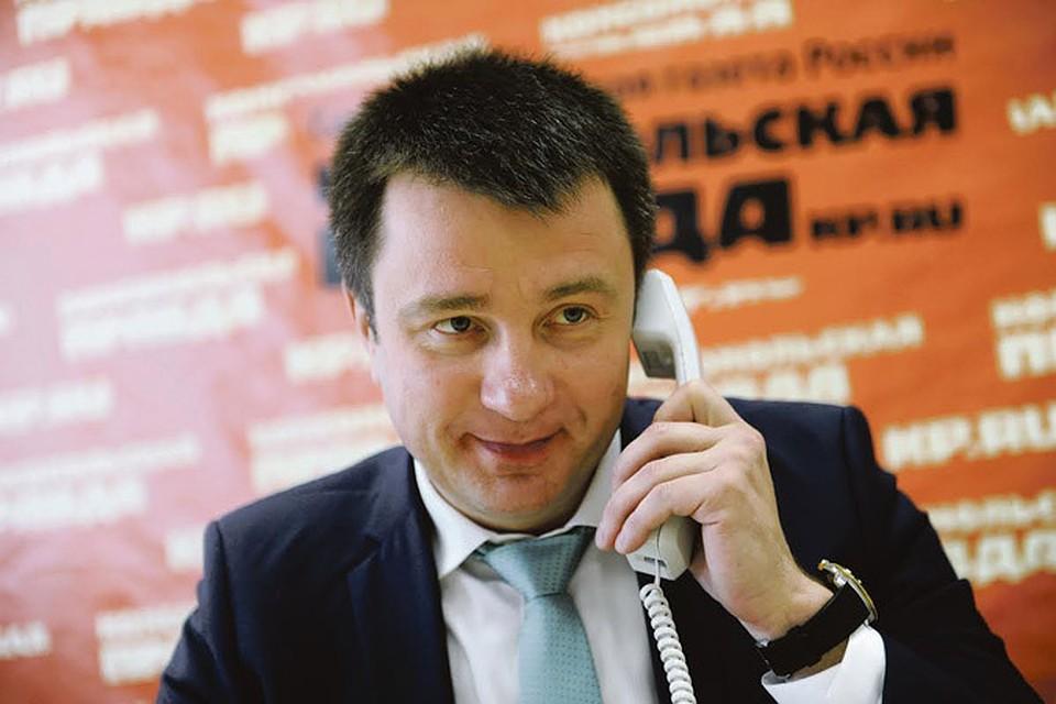 Вице президент Бинбанка Петр Морсин Все вкладчики Пробизнесбанка  Подробно на все вопросы клиентов в ходе прямой линии в Комсомолке ответил