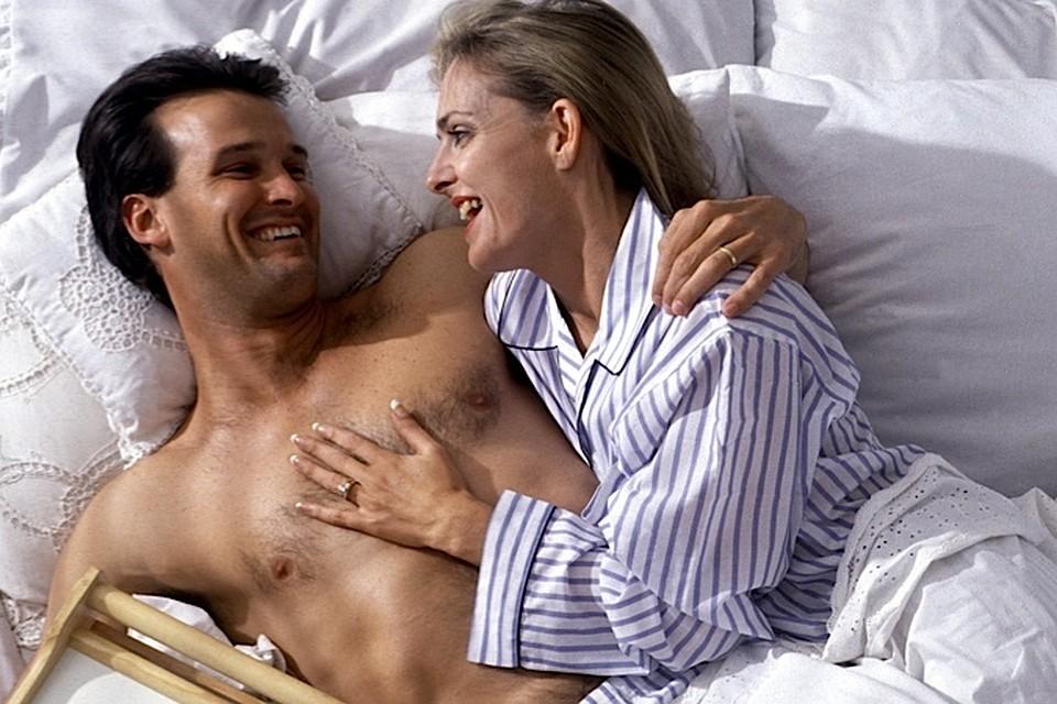 Красивые женщины спят с сном секс