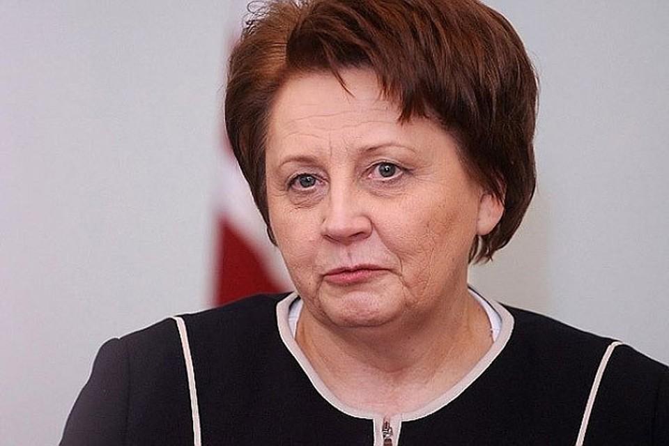 Премьер-министр Латвии Лаймдота Страуюма не хочет говорить на русском