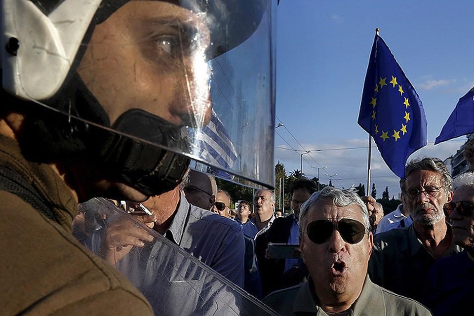 «Европейский Союз как пылесос засасывает слабые страны, потому что боится конкуренции с Россией»