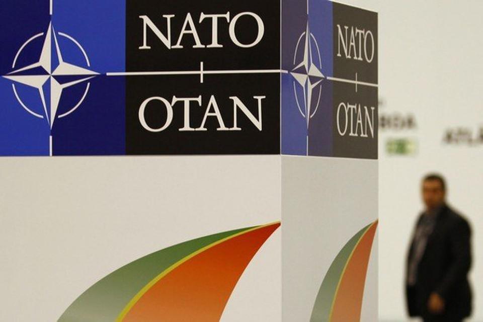 НАТО сбросило бомбы на курдских ополченцев, воюющих против ИГИЛ
