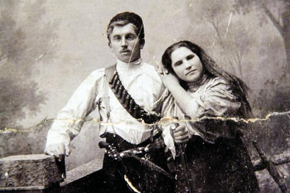 Мария Андреевна Попова (прототип Анки-пулеметчицы) с мужем Иваном. Фото: семейный архив.