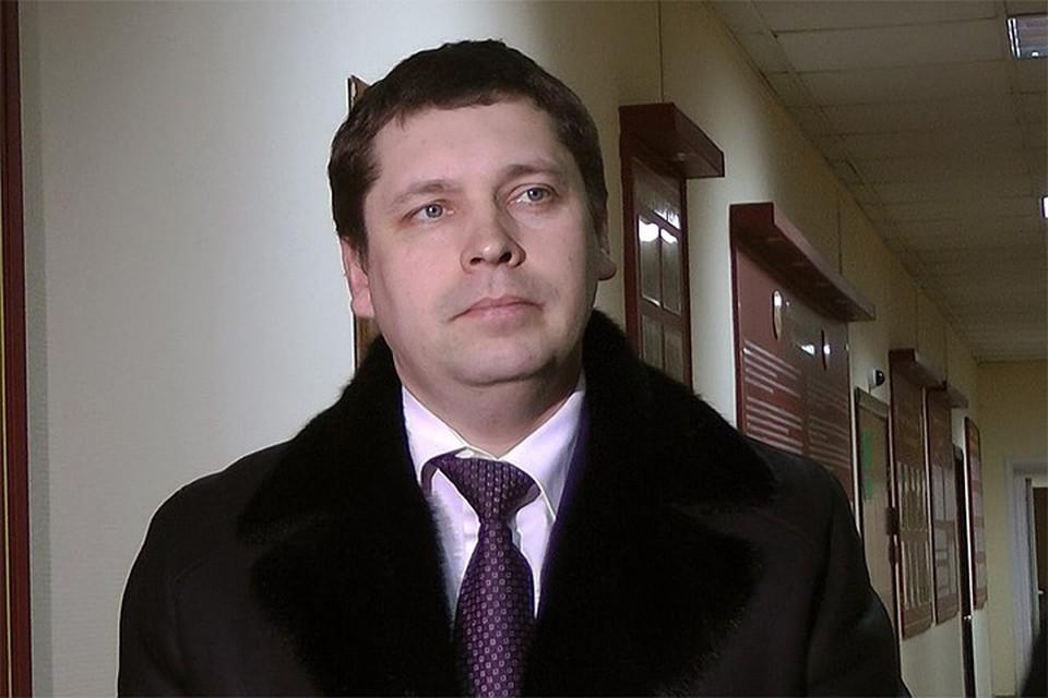 ФСБ задержала директора департамента транспорта Ярославской области.