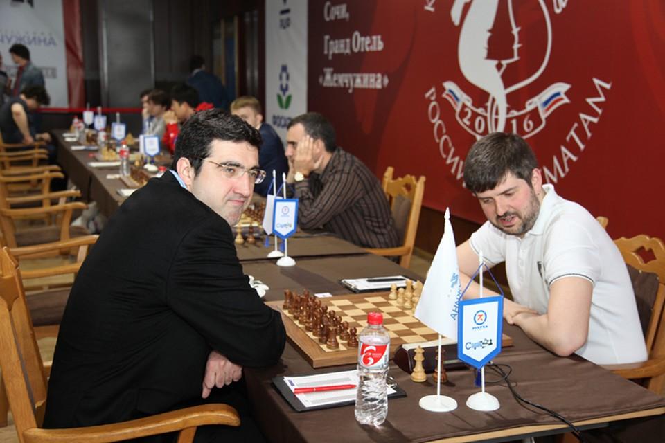 Владимир Крамник и Петр Свидлер.