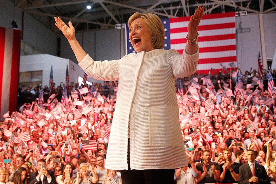 Феминистки и феминисты поддержали Клинтон – пусть погибнет мир, но женщина должна править.