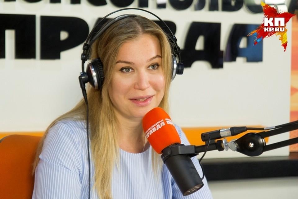 Кристина Бабушкина: Прогулка по берегу Байкала и 5 – 6 поз в любимом кафе - идеальный отпуск