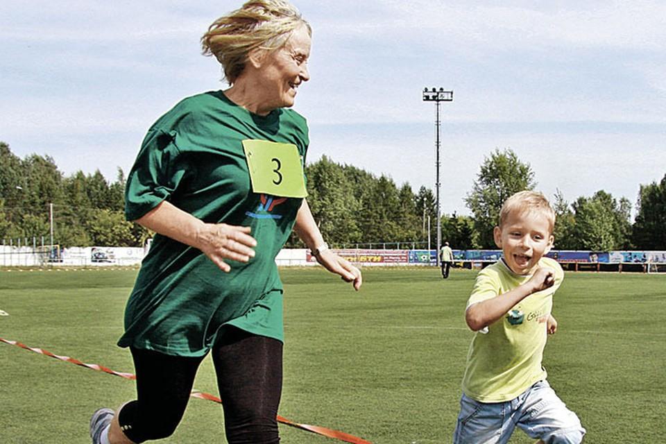 Физическая активность заставляет организм работать, как в молодости.