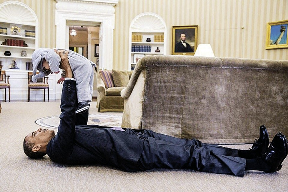 Уже через несколько месяцев у Обамы будет больше свободного времени, которое он сможет тратить на семью, вместо того чтобы насаждать демократию по всему миру. Фото: facebook.com/WhiteHouse