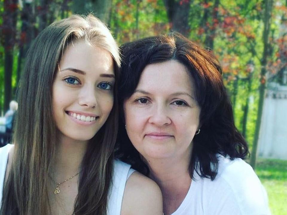 Вера со своей первой наставницей Натальей Глембой, которая и разглядела талант в хрупкой девочке из Омска.