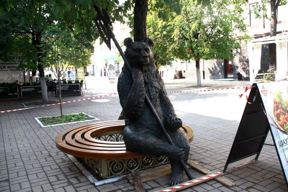 Новая скульптура в центре Ярославля.