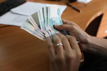 Достойно ли платят учителям на Ставрополье