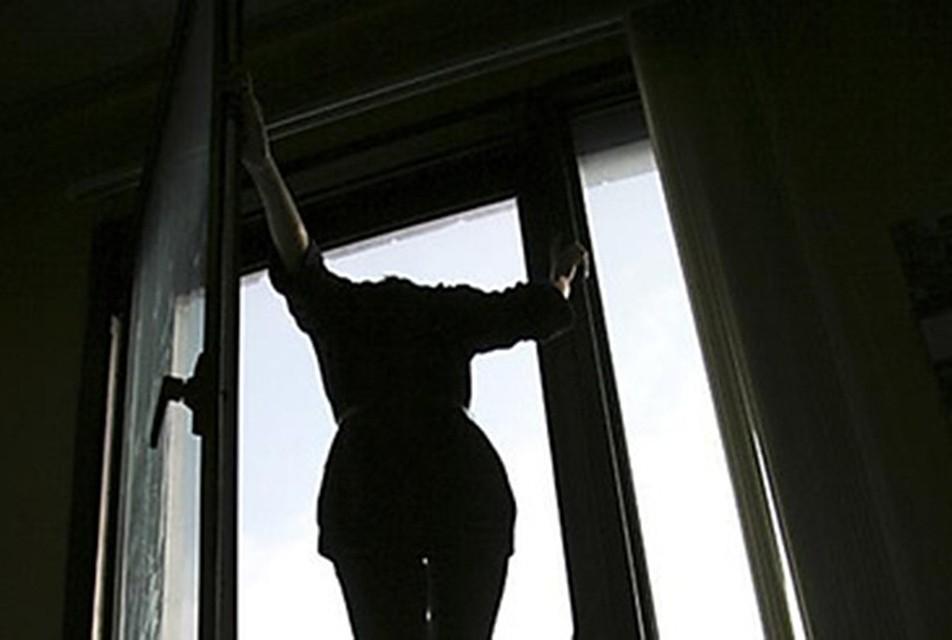 Трагедия в кишиневе: на буюканах 20-летняя девушка выбросила.