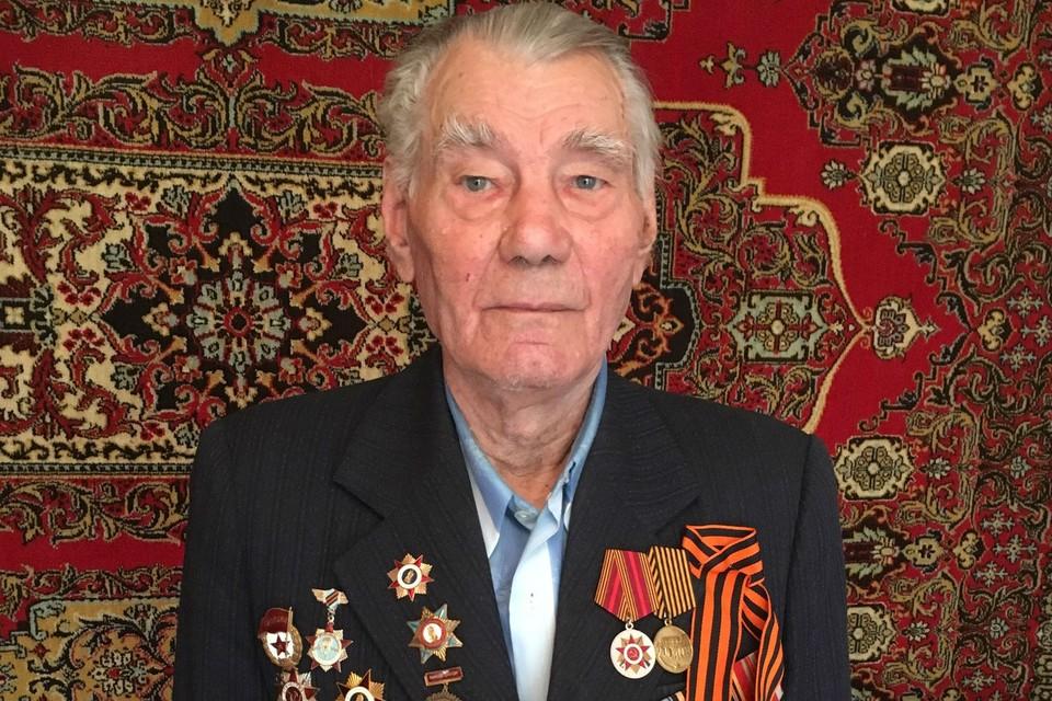 Войну заканчивал Григорий Ильич старшим сержантом, командовал взводом. Победу встретил в Румынии.