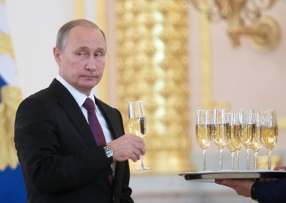 Киссинджер: Путин будет ждать, чтобы увидеть, как будет развиваться ситуация. Фото: Михаил Метцель/ТАСС
