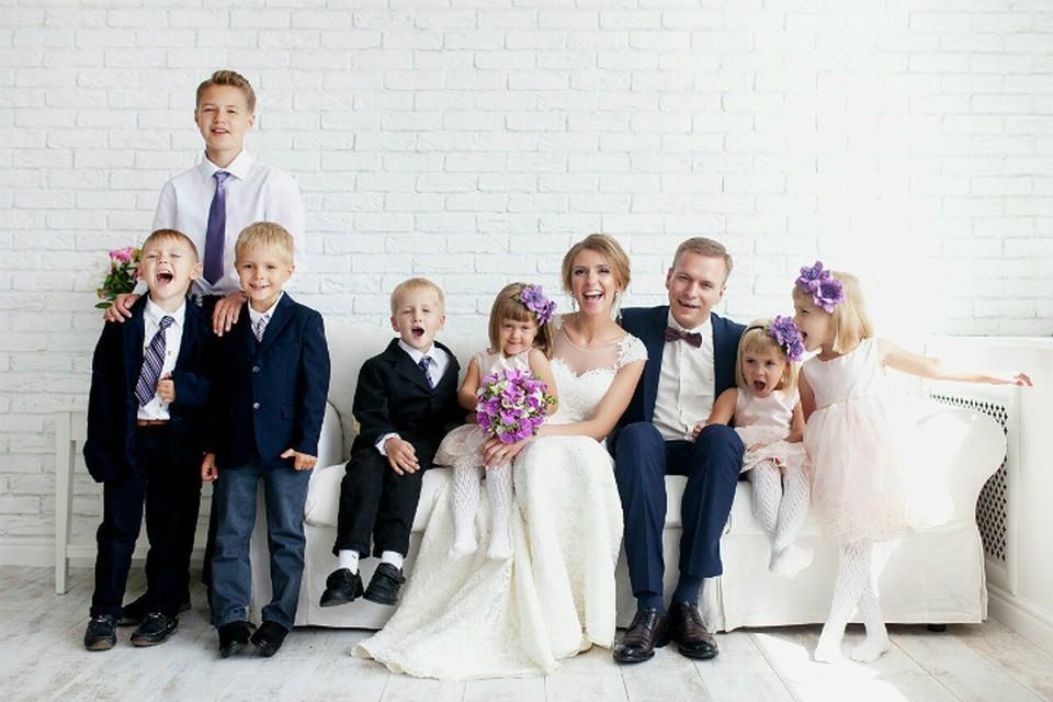 Теперь в семье Кудрявцевых пять мальчиков и четыре девочки. Фото: Анастасия Харичкина.