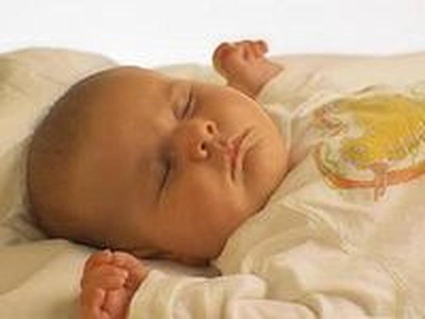 данного белья ребенку месяц очень сильно ворочееться во сне если