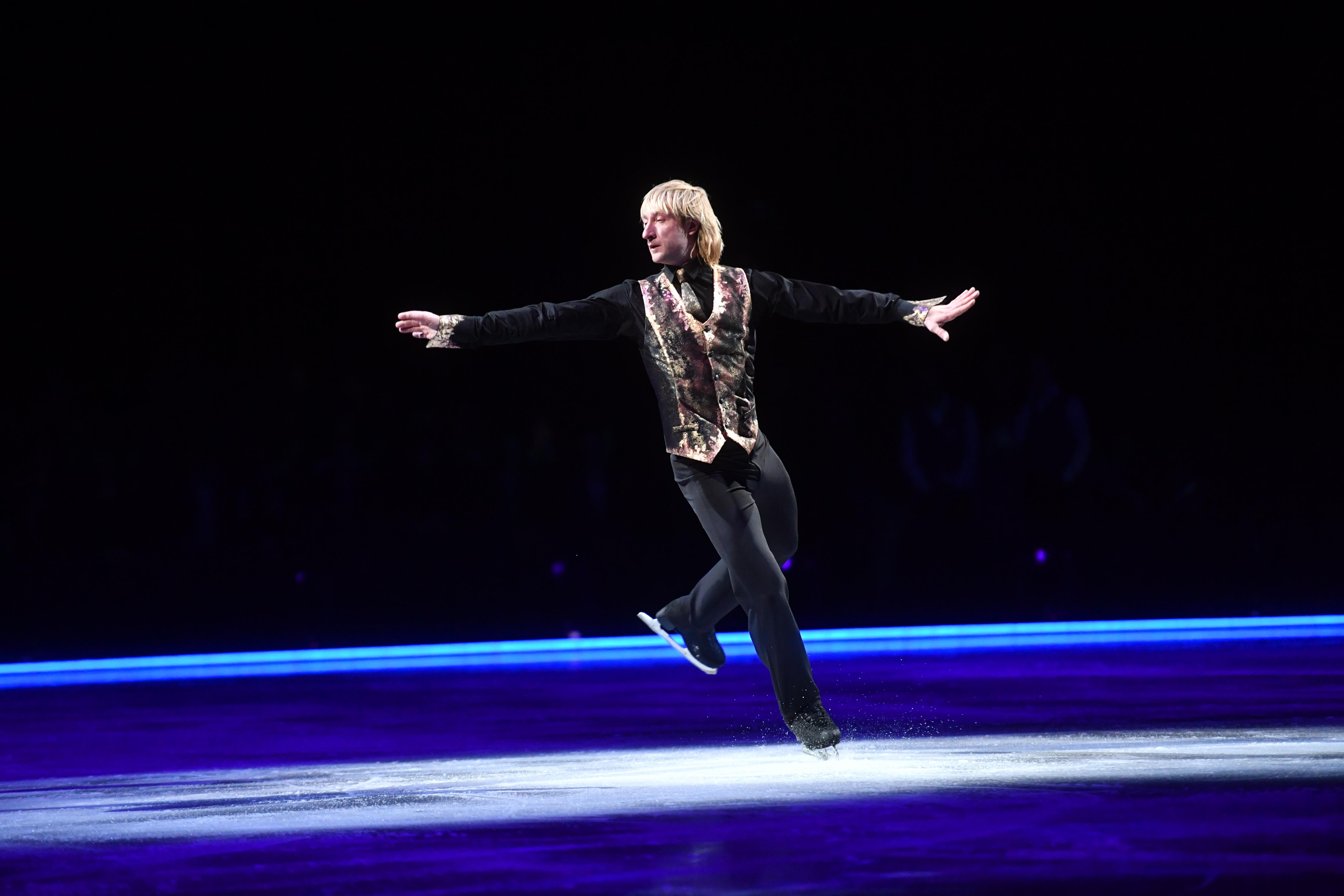 В спортивном комплексе «Олимпийский» состоялась премьера ледового шоу Евгения Плющенко «Щелкунчик»