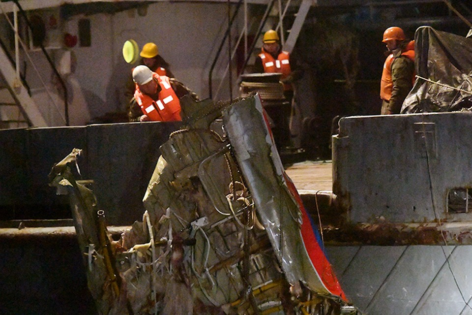 Самолет Ту-154 упал в 1,5 километрах от берега и всего в нескольких километрах от взлетной полосы