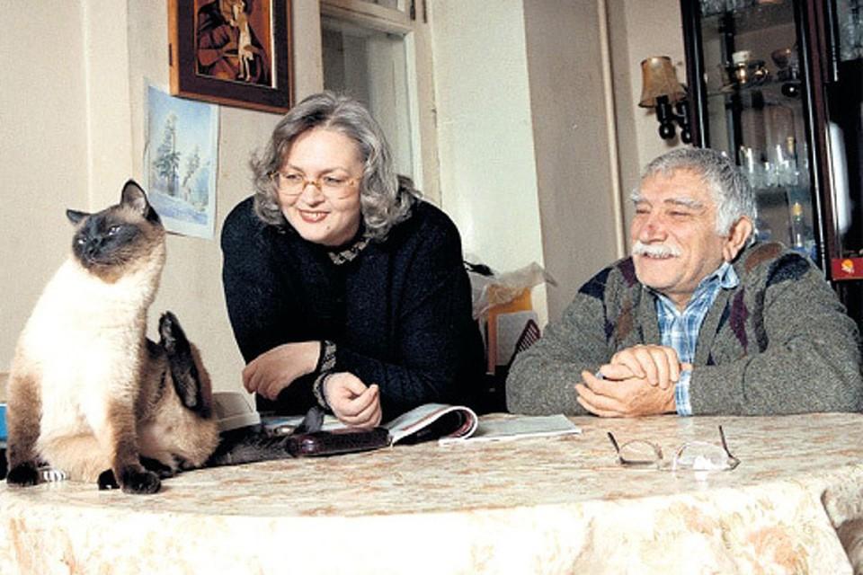 Супруга Армена Джигарханяна Татьяна много лет назад уехала на ПМЖ в США и увезла с собой любимца актера - его кота Фила. Фото: Виктор ГОРЯЧЕВ