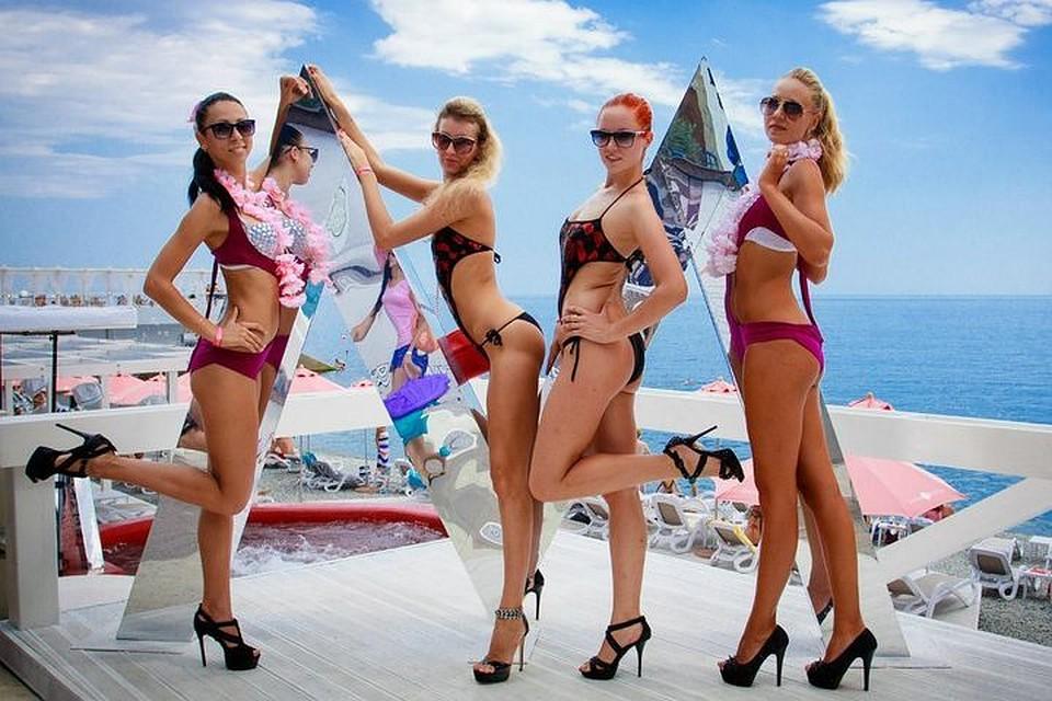 Изображения секса на пляжах мира