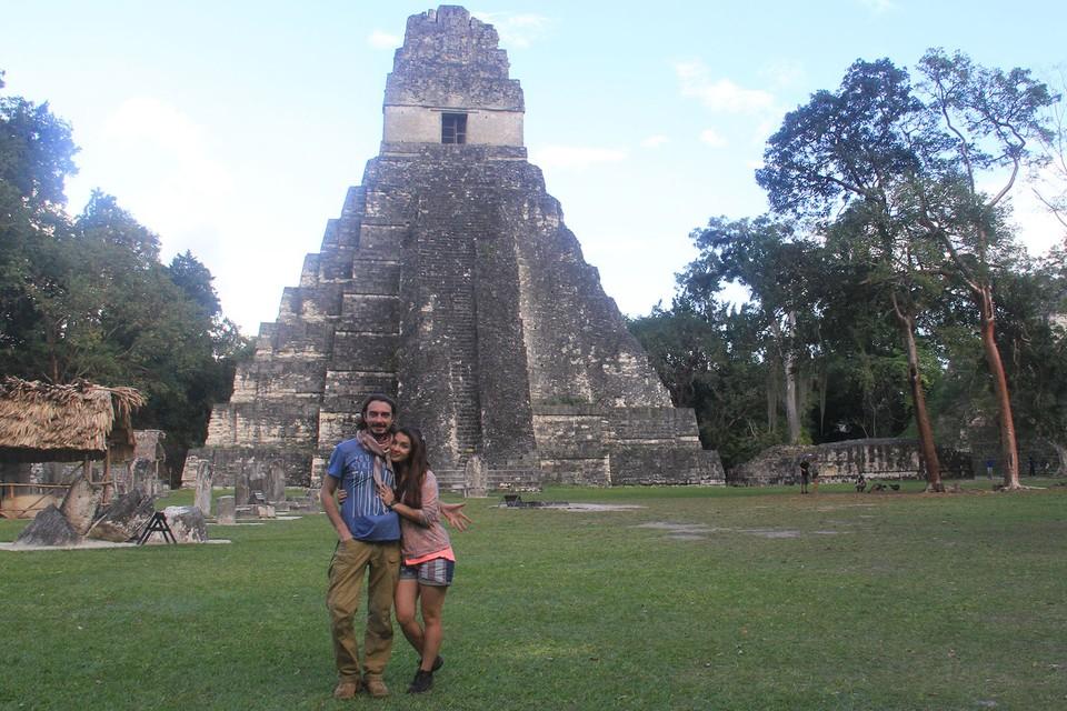 На этой пирамиде в древнем городе Майя Денис сделал предложение Кате Фото: личный архив