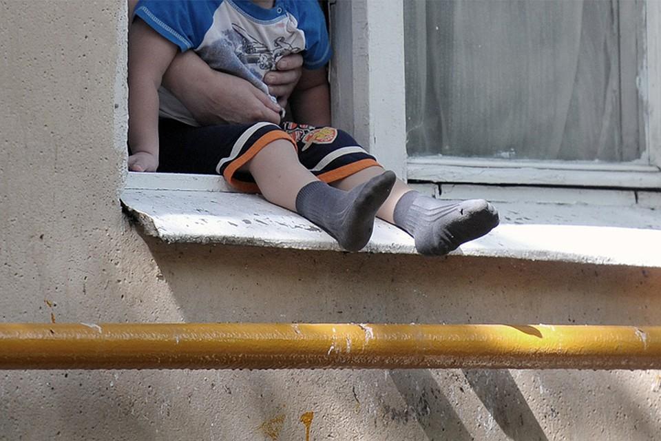 К чему снится падение детей из окон вниз головой?