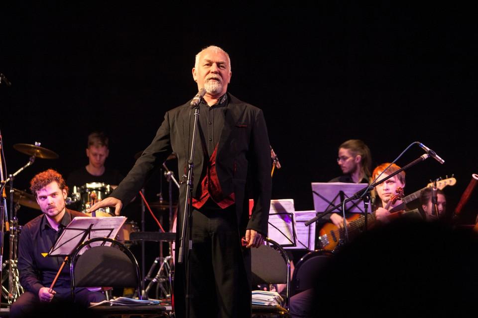 На каждом концерте Игорь Пономаренко непременно общается с публикой