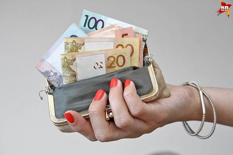 Тунеядцам, не заплатившим налог, могут запретить ездить за границу и водить машину