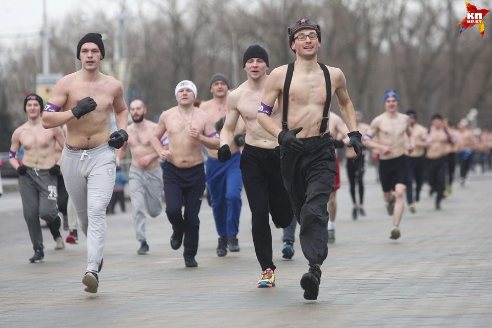 В забеге были и любители, и профессиональные бегуны