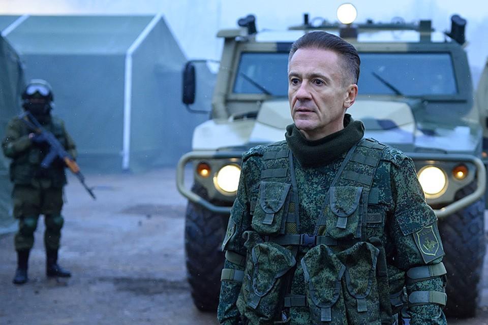"""Олег Меньшиков в фильме """"Притяжение""""."""