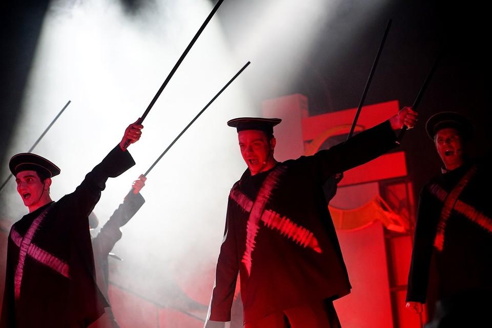 """Мюзикл """"Маяковский"""" на сцене театра """"Свободное пространство"""" в Орле"""