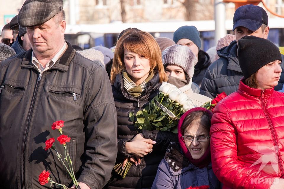 Кемеровчане возложили цветы в память о погибших в «Зимней вишне»