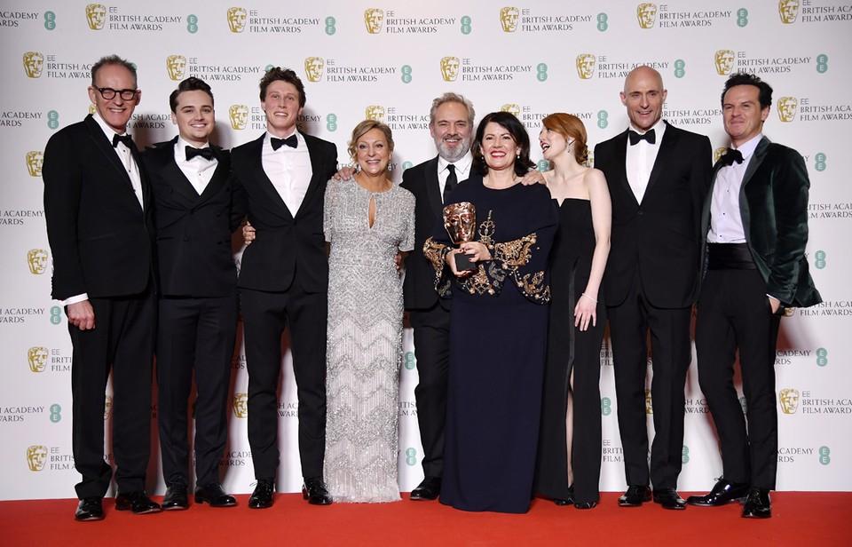 Военная драма Сэма Мендеса «1917» стала лучшим фильмом 2020 года по версии Британской академии кино и телевидения (BAFTA).