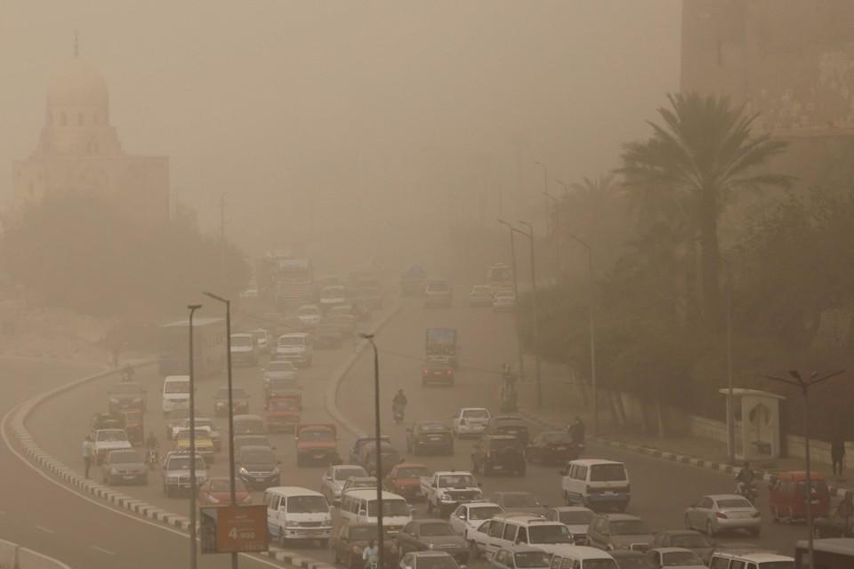 Песчаная буря накрыла египетскую столицу Каир