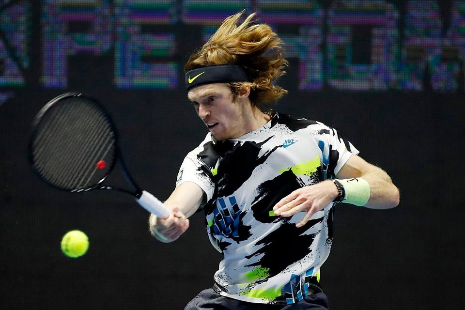 Российский теннисист Андрей Рублев вышел в финал турнира АТР в Санкт-Петербурге, обыграв представителя Канады Дениса Шаповалова