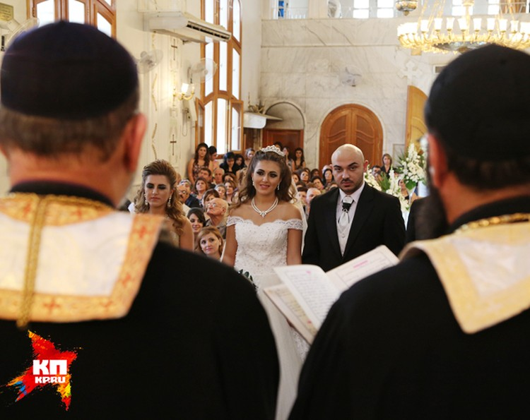 Свадьбу играли боец христианского ополчения Басиль Греер и его подруга детства Род Асааф