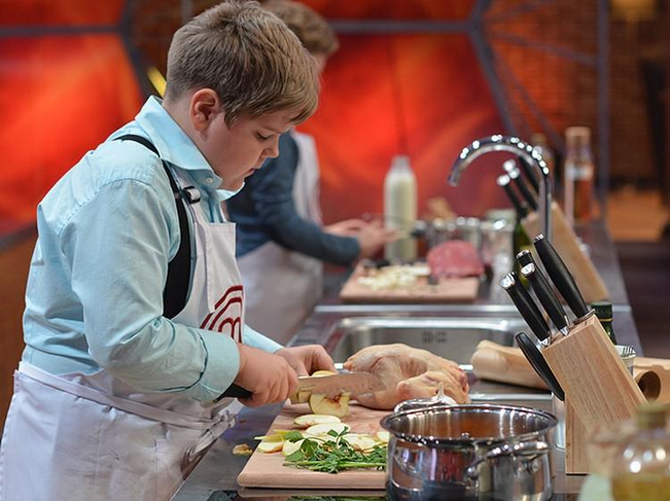 Уже в первой программе половина детей приготовила блюда, которые под силу только взрослым поварам. Фото: СТС