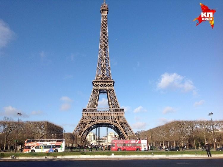 Изначально планировалось, что диковинное сооружение простоит 20 лет, после чего его демонтируют. Но с уральским качеством «железная дама», как прозвали башню французы, и ныне стоит на своем законном месте