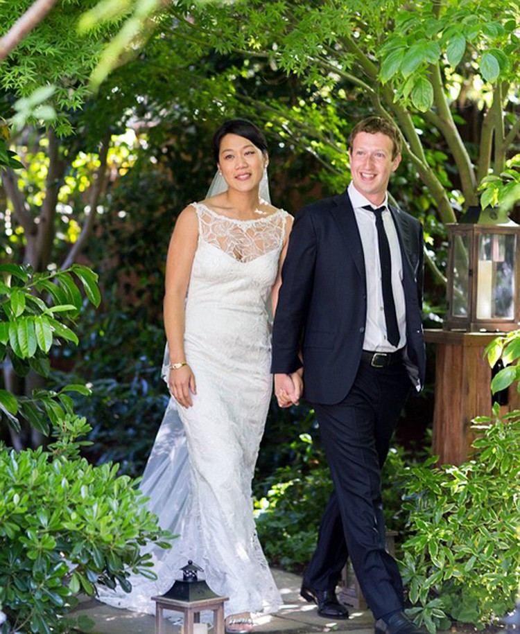 Присцилла и Марк поженились в 2012 году. Свадьба, по меркам миллиардеров, была очень скромной. Фото: Facebook.
