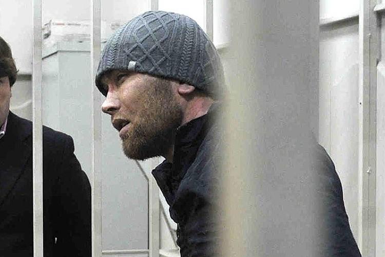 Анзор Губашев в помещении столичного Басманного суда.